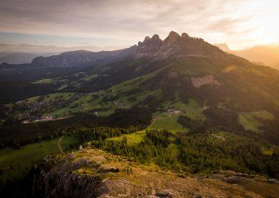 Abendstimmung am Berg mit Blick auf Carezza